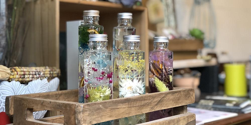 お花を売る花屋の様相も「このお店何屋さん?」と毎日聞かれるフラワーデザイナー・加藤花飾堂さん