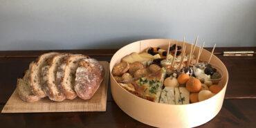 美味しいチーズとワインでピクニックやホームパーティーってとってもオシャレ!mikotoチーズボックスが発売しました!